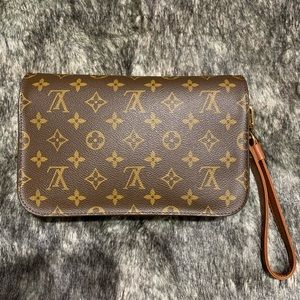 Authentic Vintage LOUIS VUITTON Orsay Clutch